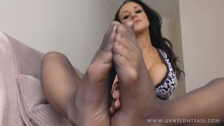 Uknylontease Dep Anna Rose Shows Off Her Awesome Body -2182
